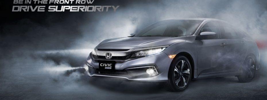 New Honda Civic memiliki tampilan yang semakin sporty dan elegan dengan dengan desain baru pada Front Lower Bumper yang lebih aerodinamis, Rear Chrome Lower